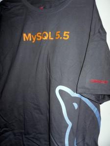 New MySQL Dolphin Shirt